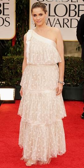 Amanda peet wearin shower curtain y'all!